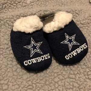 Baby Dallas Cowboys slippers